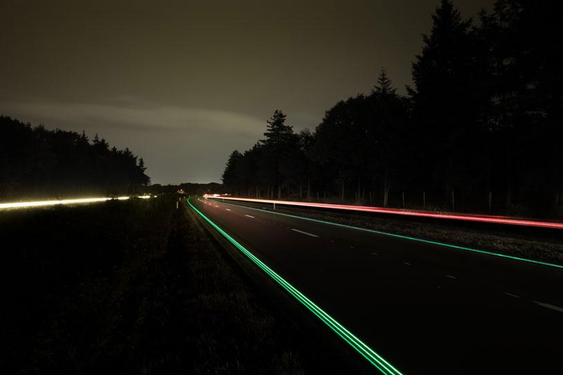 2-Glowing-Lines-Roosegaarde