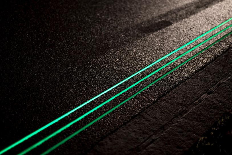 8-Glowing-Lines-Roosegaarde