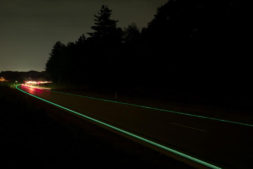 9-Glowing-Lines-Roosegaarde
