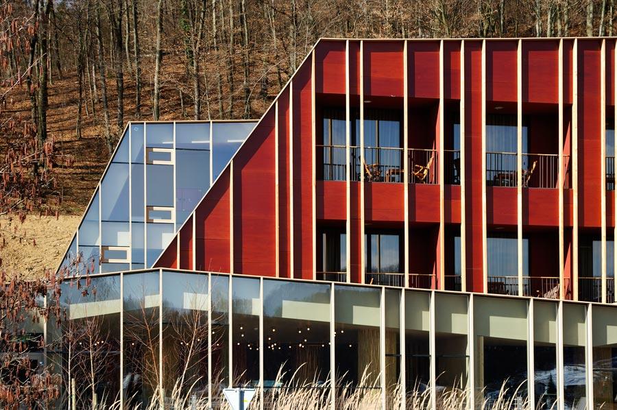 enota-sotelia-11-facade-detail