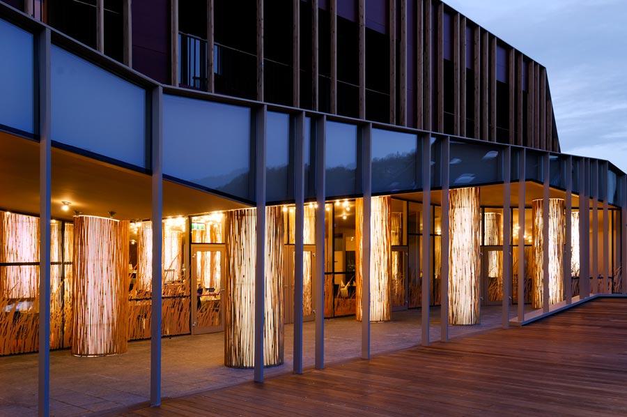 enota-sotelia-15-restaurant-terrace-by-night