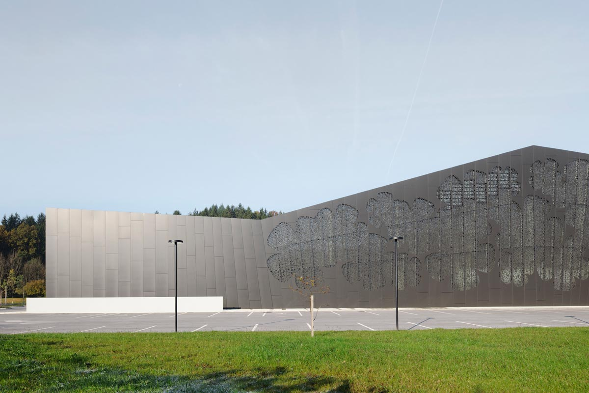 enota-podcetrtek-sports-hall-07-exterior
