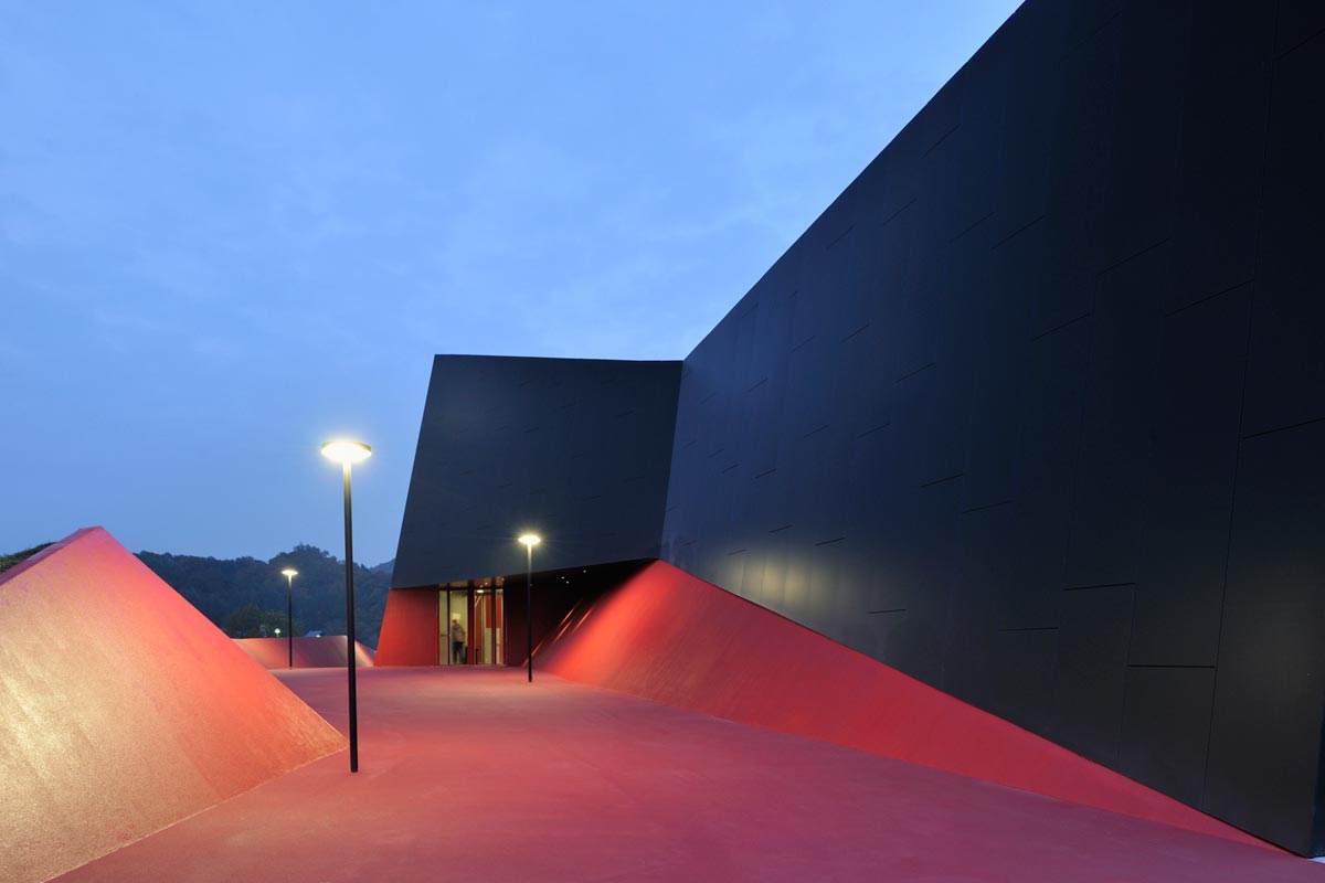 enota-podcetrtek-sports-hall-14-pathway-night