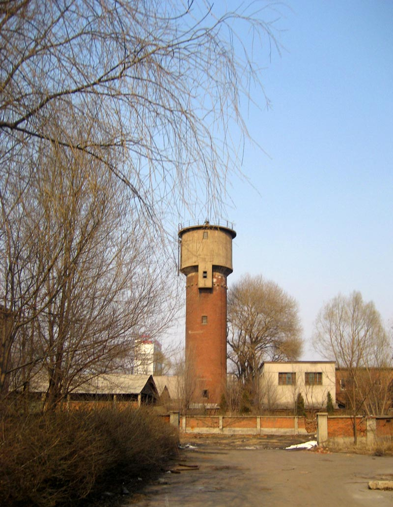 water-tower-in-factory
